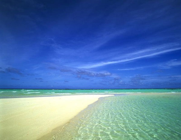 http://beautiful-island.50webs.com/beautiful-island/sunny-beach.jpg